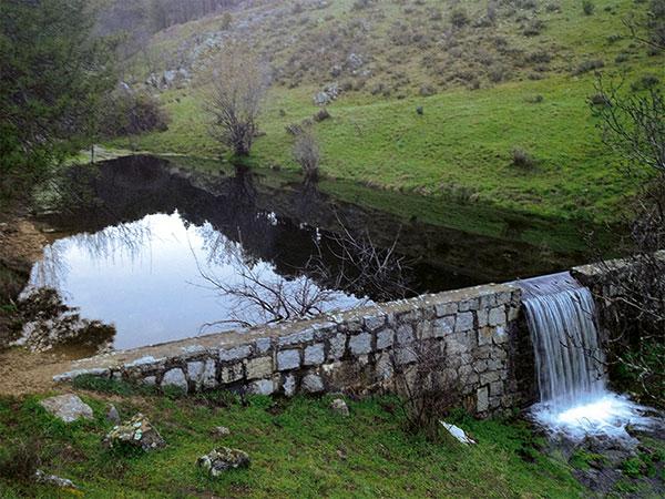 Casa de alojamiento rural en madrid con piscina nuestro for Alojamiento rural con piscina